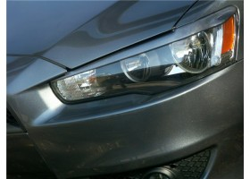 Реснички на передние фары Mitsubishi Lancer X