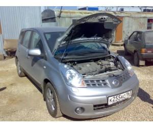 Упор капота Nissan Note (2005; 2010)
