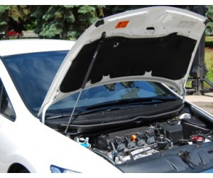Упор капота Honda Civic (2006)