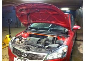 Растяжка передних стоек Hyundai i30 (2007).